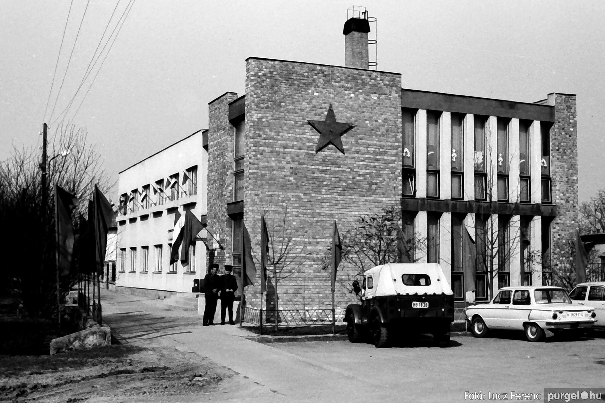 040. 1976.04.04. Április 4-i ünnepség 002. - Fotó: Lucz Ferenc - IMG00210q.jpg