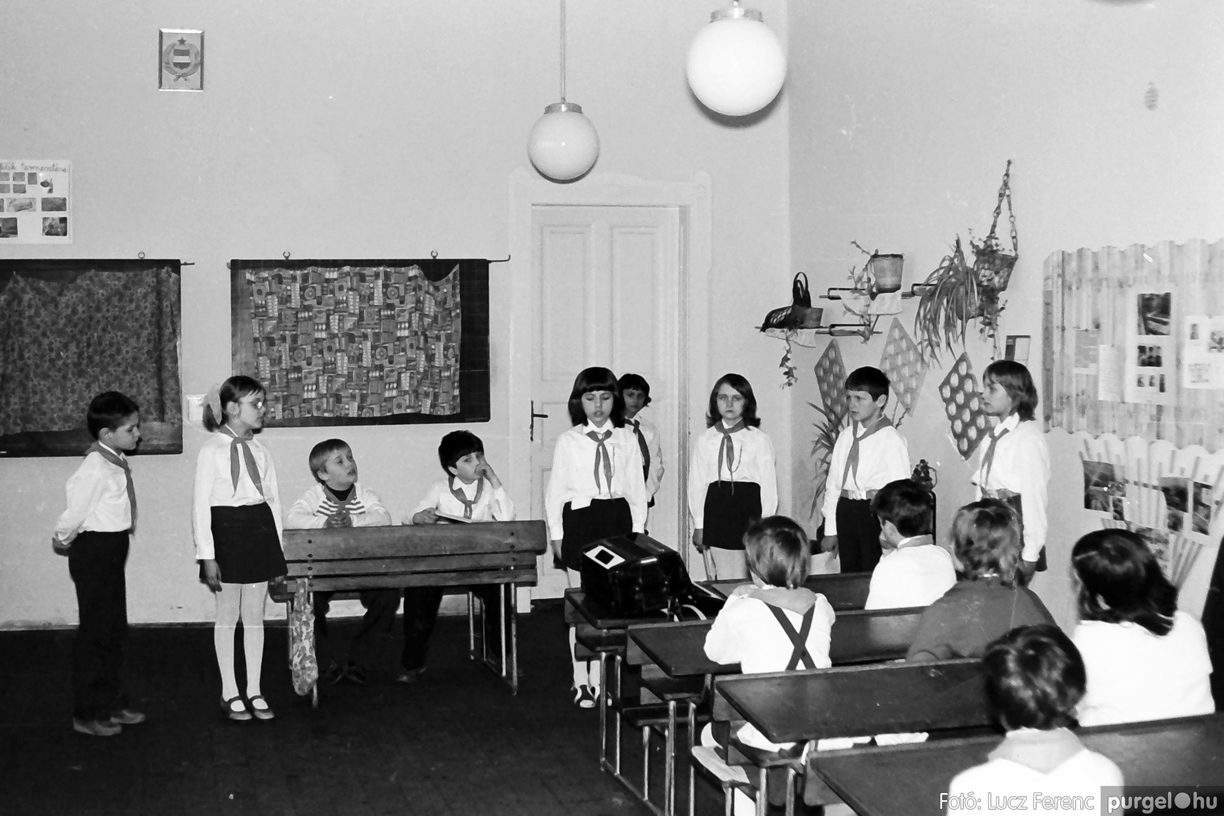 042-043. 1976. Program az újfalusi iskolában 017. - Fotó: Lucz Ferenc - IMG00293q.jpg