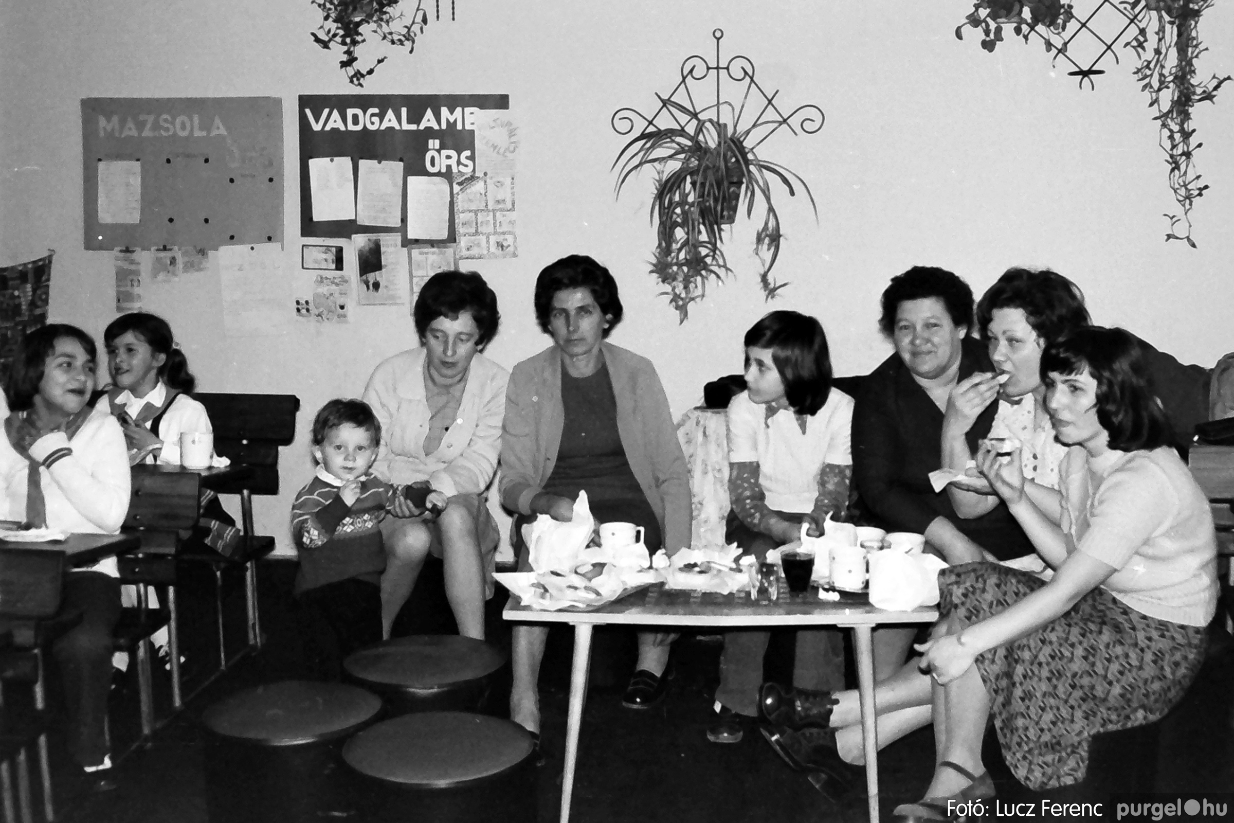 042-043. 1976. Program az újfalusi iskolában 008. - Fotó: Lucz Ferenc - IMG00245q.jpg