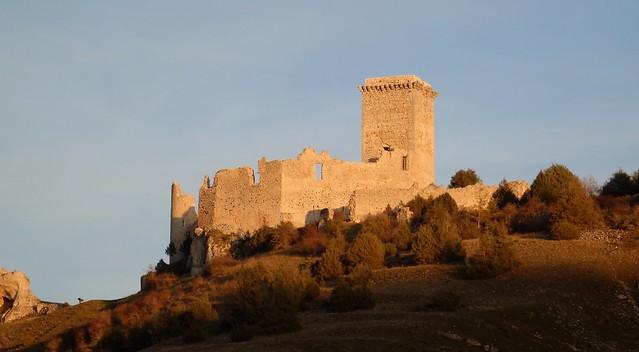 Castillo Templario de Ucero, al atardecer.