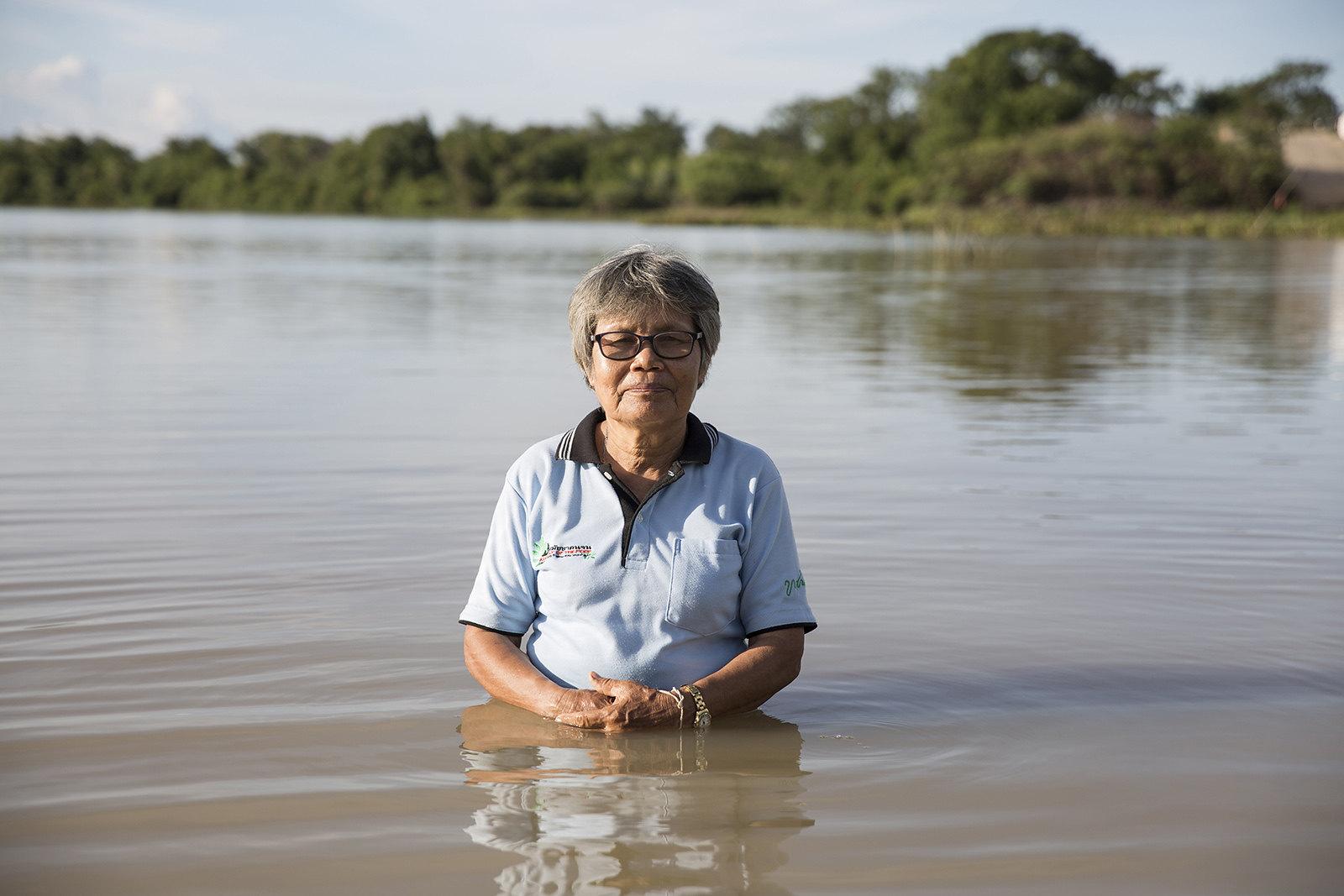 ผา กองธรรม อายุ 69 ปี หนึ่งผู้นำขบวนการต่อสู้ด้านสิทธิชุมชนของคนลุ่มน้ำมูลมากว่า 30 ปี(ที่มา: Luke Duggleby)