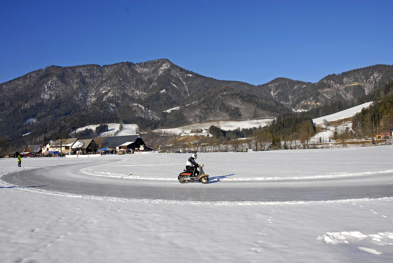 Vespa Eisrennen Ybbstal (Austria) 2012