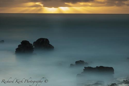 pointarkwright coolum sunshinecoast queensland australia landscape seascape longexposure timeexposure sunrise golden calm flat fineartphotography rocks sea ocean clouds ethereal atmospheric dream sunrays