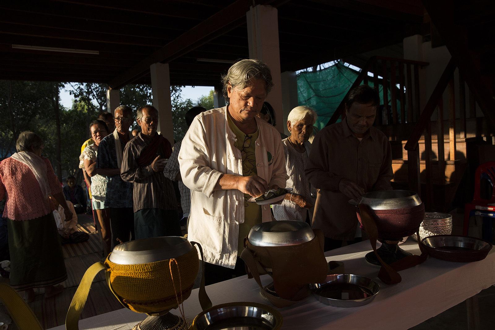 อุบล อยู่หว้า ร่วมงานบุญกุ้มข้าวใหญ่ ที่สมาคมคนทามเมื่อเดือนกุมภาพันธ์2563(ที่มา: Luke Duggleby)