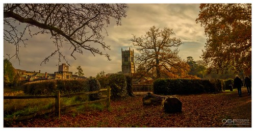 elvastoncastle historicbuildings brickarchitecture borrowash derbyshire estates landscape lateafternoon earlyevening cloudscape happyfencefriday hff woodenfence leavesautumncolours red yellow greentrees people walking outdoors treetrunks felledtrees woodland nature wildlife sunlight lightanddark foreground background womeninphotography painterly nikon nikond750 topazlabs topazstudio borrowashroadelvaston englandunitedkingdom