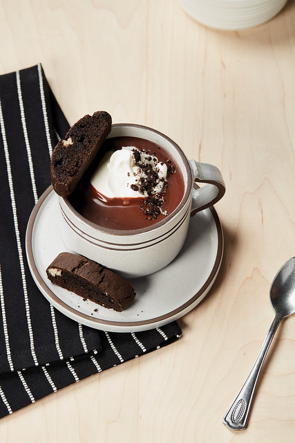 Drinking Chocolate with Biscotti made with OREO Cookies_001