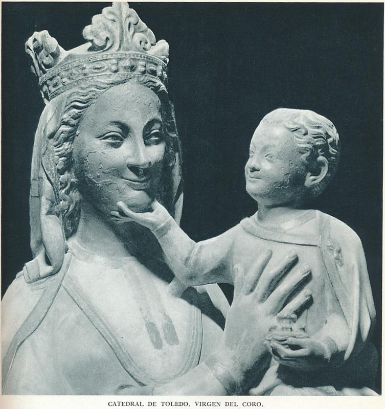 """Virgen Blanca en el coro de la catedral. Fotografía de Jean Dieuzaide, """"Yan"""""""