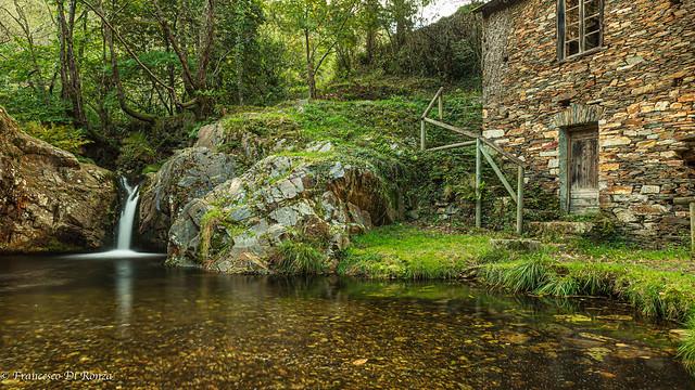 waterfall Pozo Mouro .)1710/2454