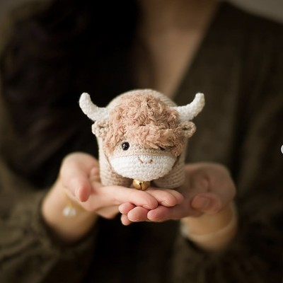Stephanie Jessica Lau has this cute Chinese New Year Ox crochet pattern on Ravelry and her All About Ami Website.