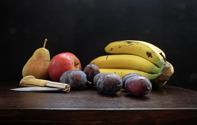 185 - Frutas en la mesa....................    E*