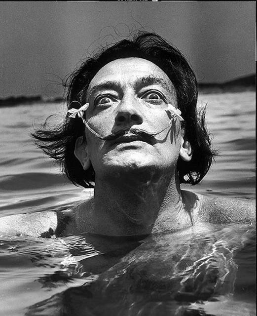 Salvador Dalí en 1953 fotografiado por Jean Dieuzaide