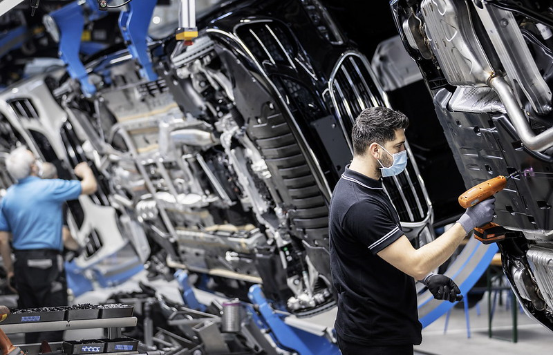 2021-mercedes-maybach-s-class-50-million-car-production-milestone-5