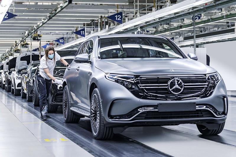 2021-mercedes-maybach-s-class-50-million-car-production-milestone-3