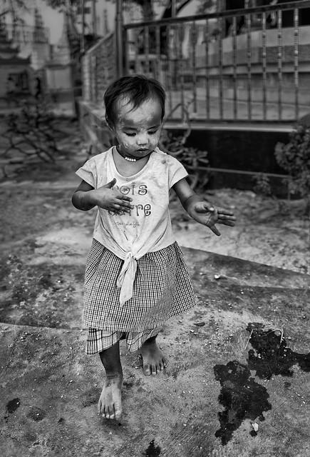La petite fille qui dansait dans les rues de Mandalay