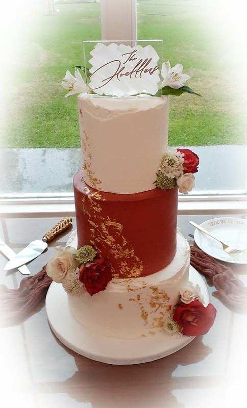 Cake by Comfort Cupcakes & Custom Design Cakes