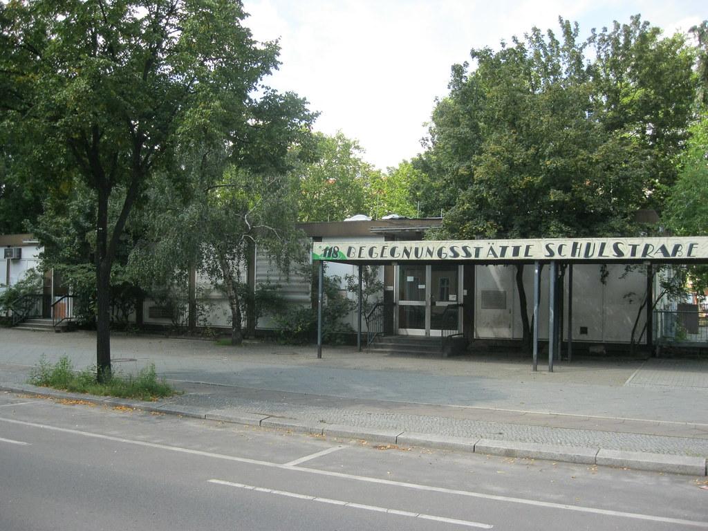 1973-2012 Berlin-W. Büro für Besuchs- und Reiseangelegenheiten (Passierscheinstelle) Maxstraße/Schulstraße 118 in 13347 Wedding