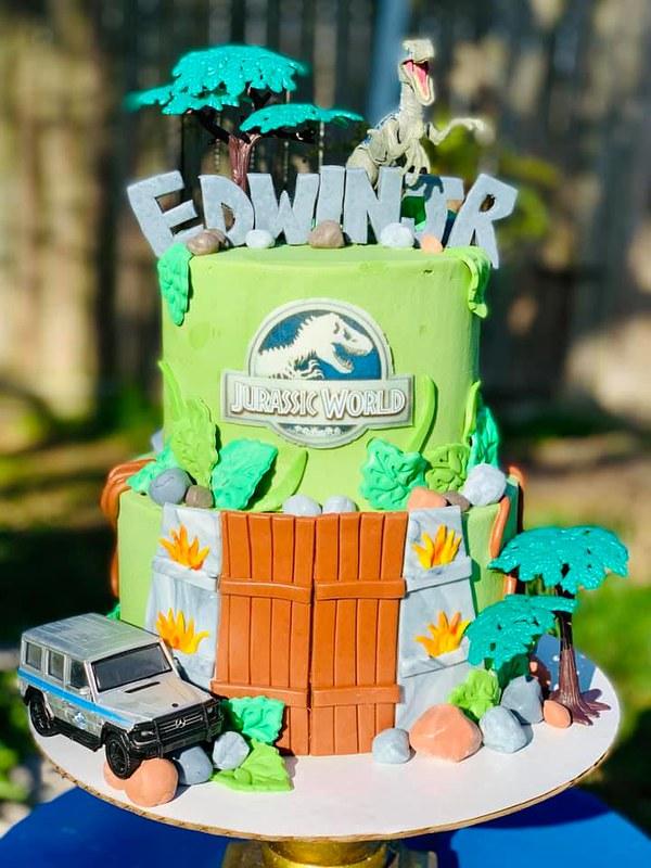Cake by Sugar Mama's Sweet Treats, LLC