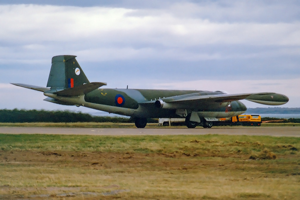 Canberra T4 WJ879 'BH' 231 Operational Conversion Unit