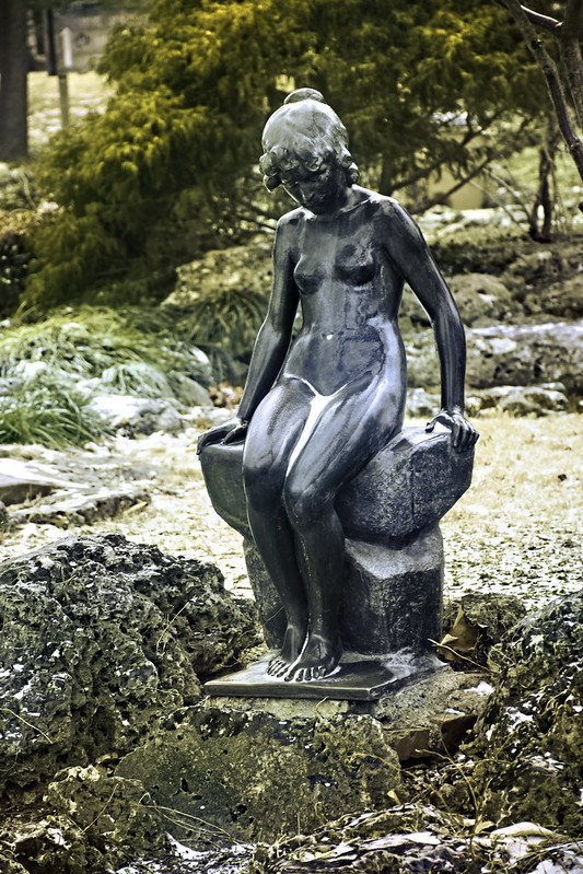 Woodward sculpture_DSC0224-adjust