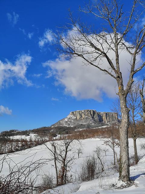 Neve in Appennino La Pietra di Bismantova