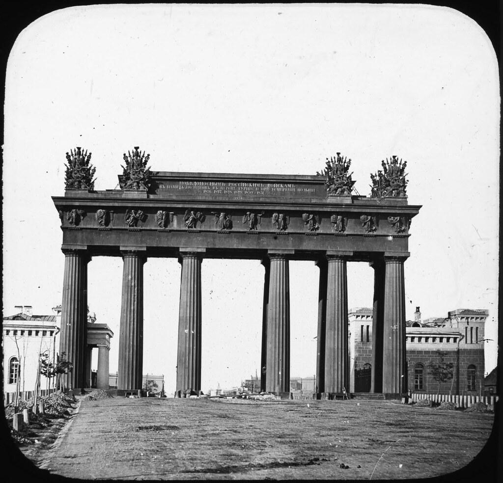 Московские триумфальные ворота. 1850-е