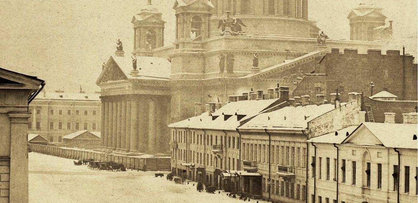 Вид на Исаакиевский собор со стороны Манежа. 1855
