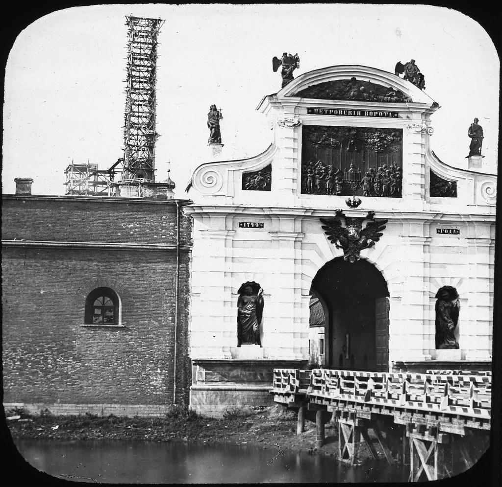 Петровские ворота Петропавловской крепости.1857