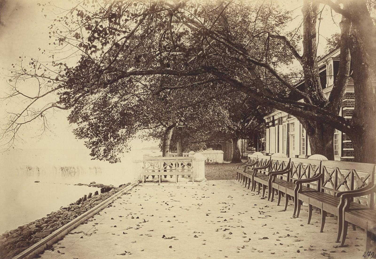 Мраморная площадка на морской террасе Монплезира. 1857