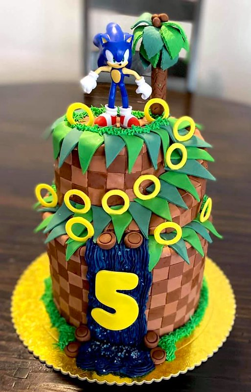 Cake by Sweet Vibes Bakery