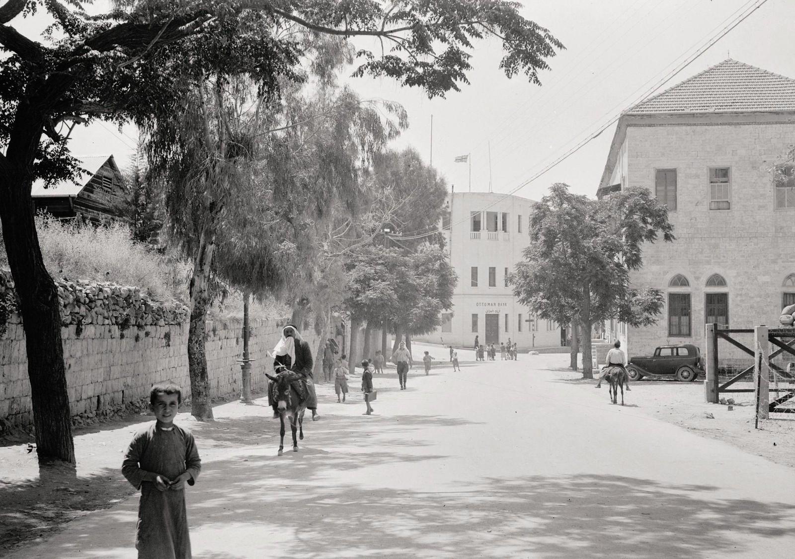 21. 1940. Шхем. Мэйн-стрит, здание Оттоманского банка