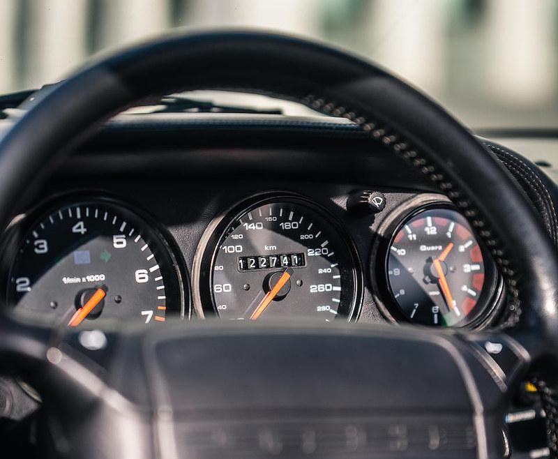 Maradonas-1992-Porsche-911-Type-964-Carrera-2-Convertible-11