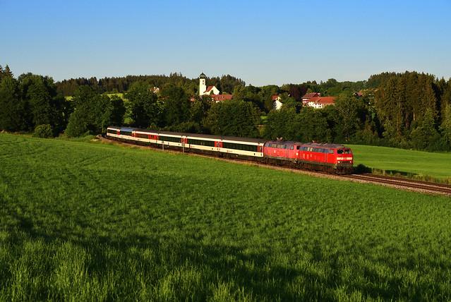 218 452-1 u. 218 498-4 I EC 190 I Wohmbrechts (12021)
