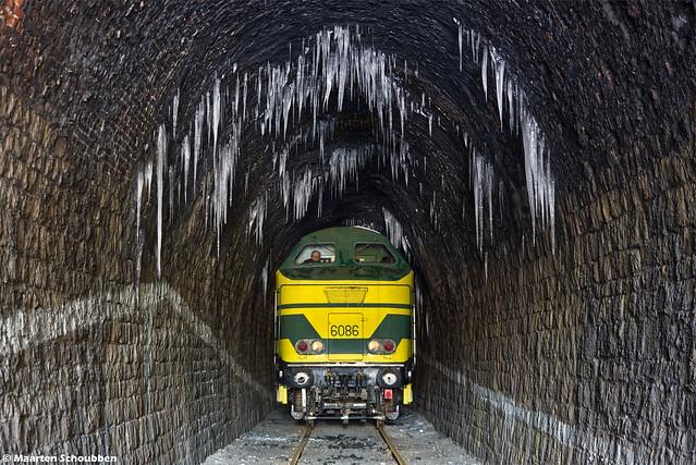 6086 @ Tunnel van