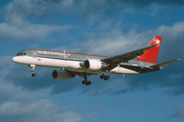 N548US Boeing B757-251 KLAS 24-04-97