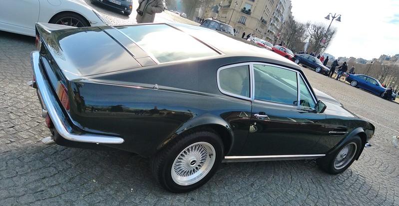 Aston Martin Vantage 50942997321_2723213213_c