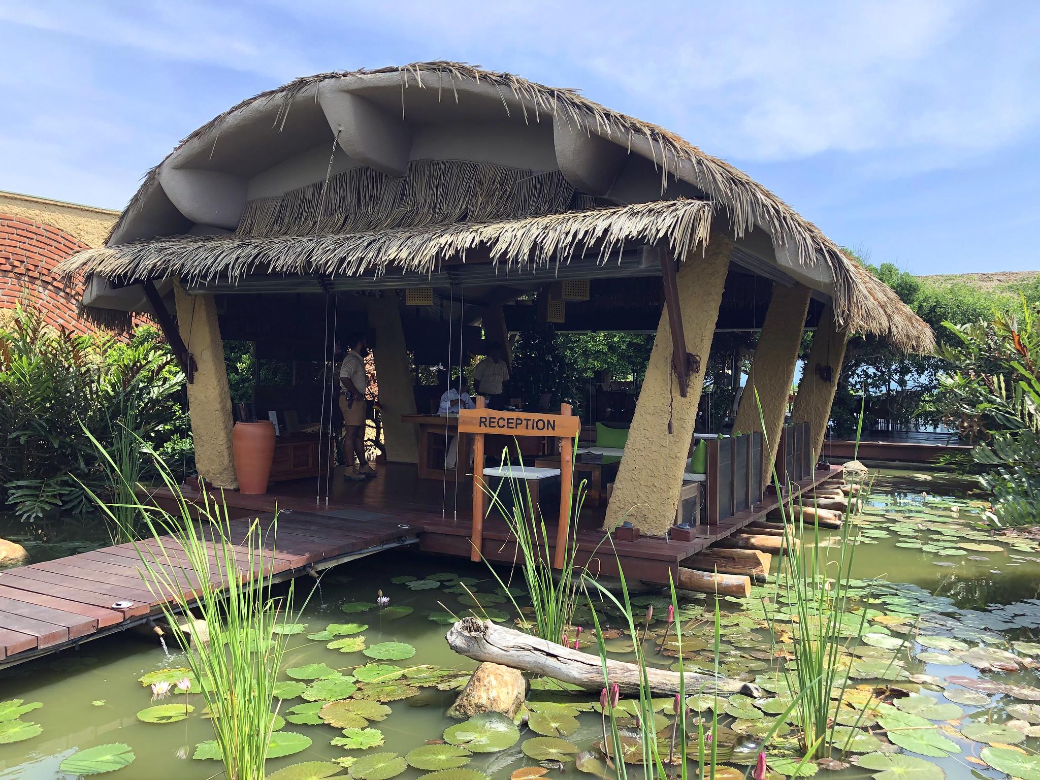 Hotel Chena Huts by Uga Escapes Yala Sri Lanka - Thewotme chena huts - 50943083198 e865e815fe k - Chena Huts by UGA Escapes, un pequeño paraíso en Yala