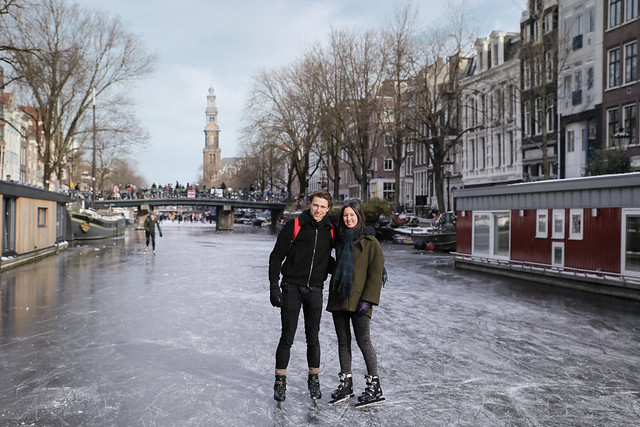 Samantha and Casper skating in the heart of Amsterdam