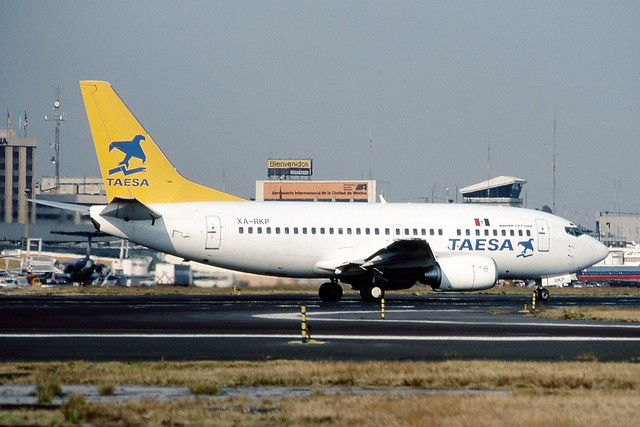 TAESA Boeing 737-500 XA-RKP, Mexico City, Dec93