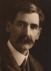 Studio portrait of Henry Lawson, ca. 1915, by May Moore
