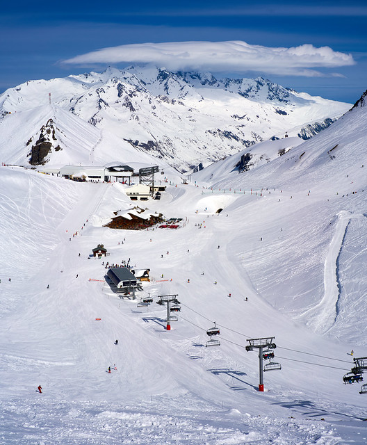 Bluesky skiing