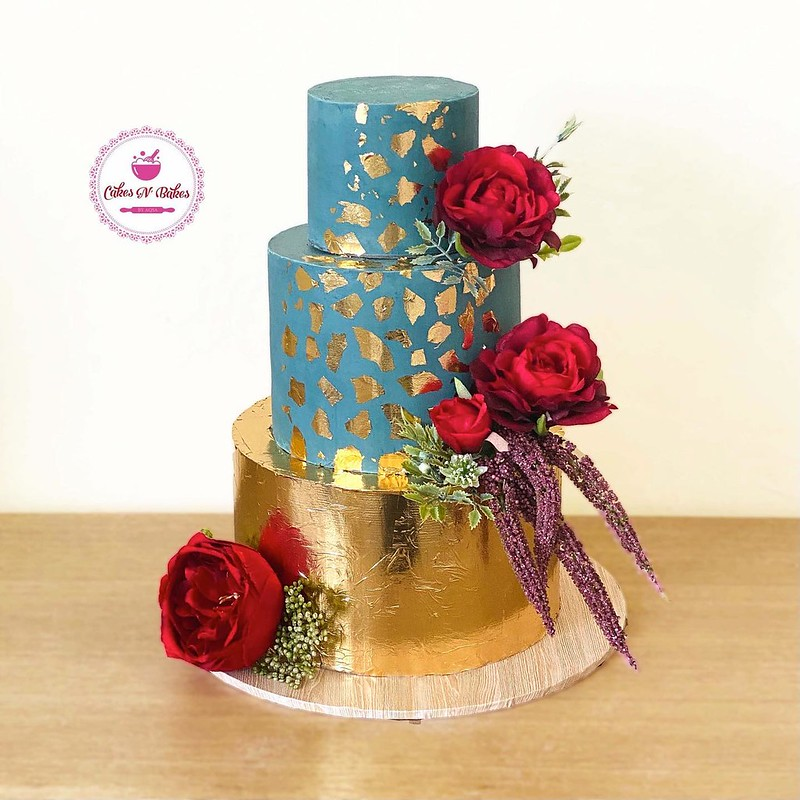 Cake by Cakes n Bakes