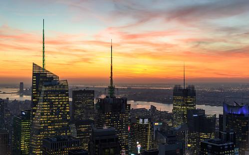 usa fluss colours sunset northamerica himmel newyork wolkenkratzer gebäude orange clouds unitedstatesofamerica rockefellercenter hudsonriver buildings river nyc newyorkcity farben sky skyscrapers manhattan sonnenuntergang wolken nikond600