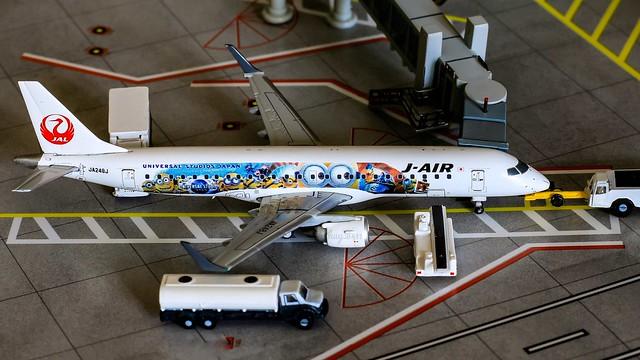 "Embraer 190-100STD | J-Air | JA248J ""The Universal Studio Japan Minions livery"" | JC Wings 1/400"