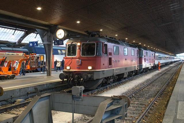 SBB Re 4/4 420 299 + 420 152 Zürich Hbf