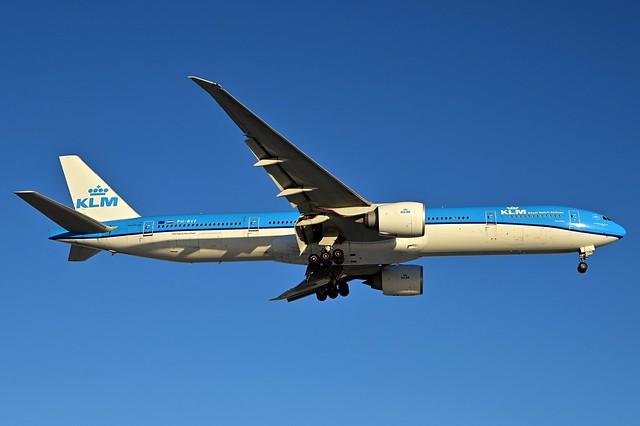 PH-BVF B777-306ER cn 39972 KLM 210213 Schiphol 1002