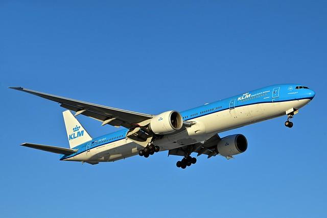 PH-BVF B777-306ER cn 39972 KLM 210213 Schiphol 1001