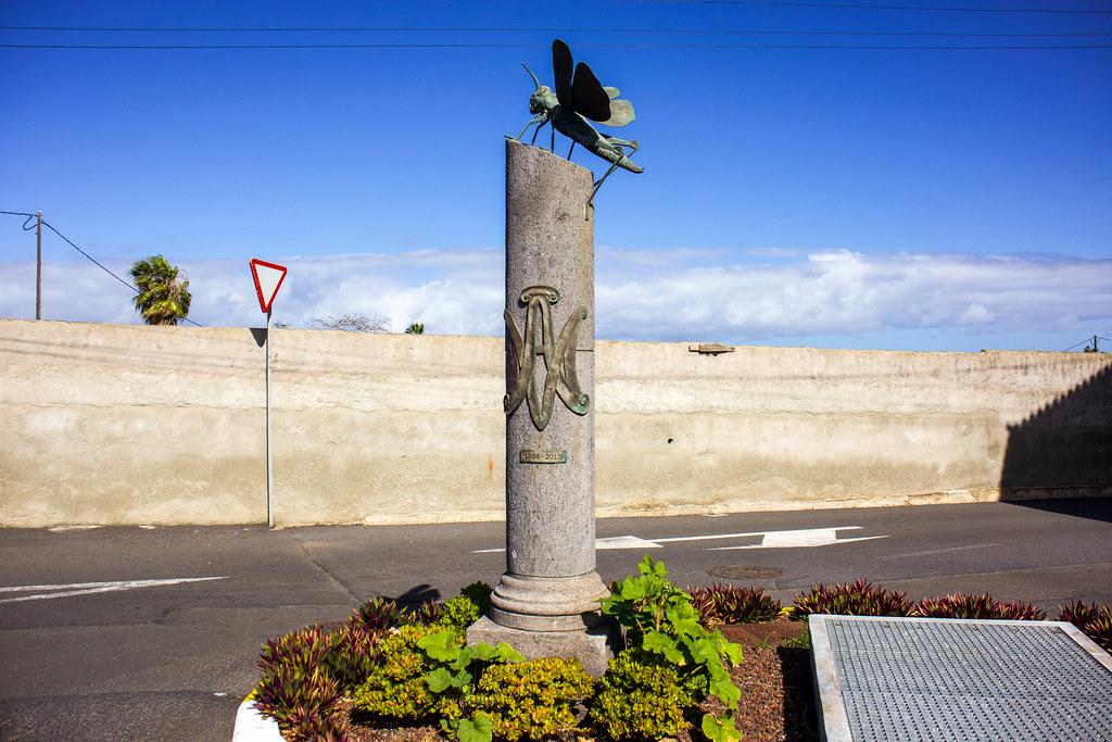 Monumento a La Langosta en Buenavista del Norte