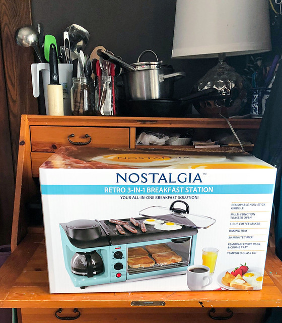 Product Review of Nostalgia Retro 3-in-1 Family Size Electric Breakfast Station