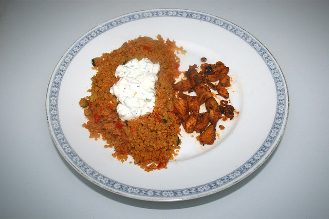 Chicken gyros with vegetable couscous & tzaziki - Leftovers IV / Hähnchengyros mit Gemüsecouscous & Tzatziki - Resteverbrauch IV