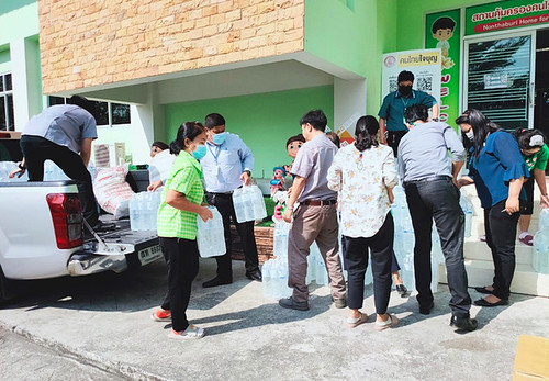 CSR Homeless-Nonthaburi COSMOTRUCK